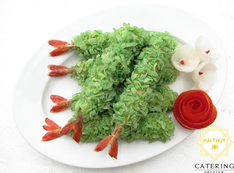 Khai vị 2 món: Tôm bách hoa + Ốc bươu nhồi thịt
