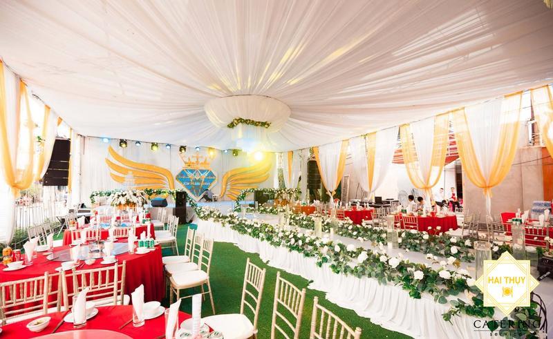 Tổ chức tiệc cưới tại nhà - Wedding catering