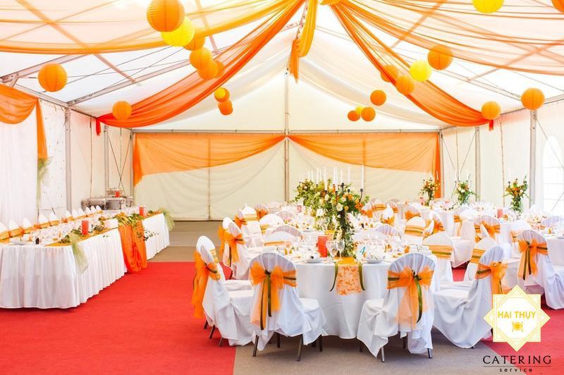 Tổ chức tiệc cưới lưu động thực tế