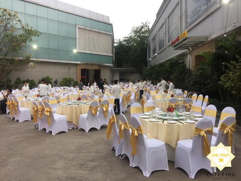 Hình ảnh tổ chức tiệc lưu động tại công ty
