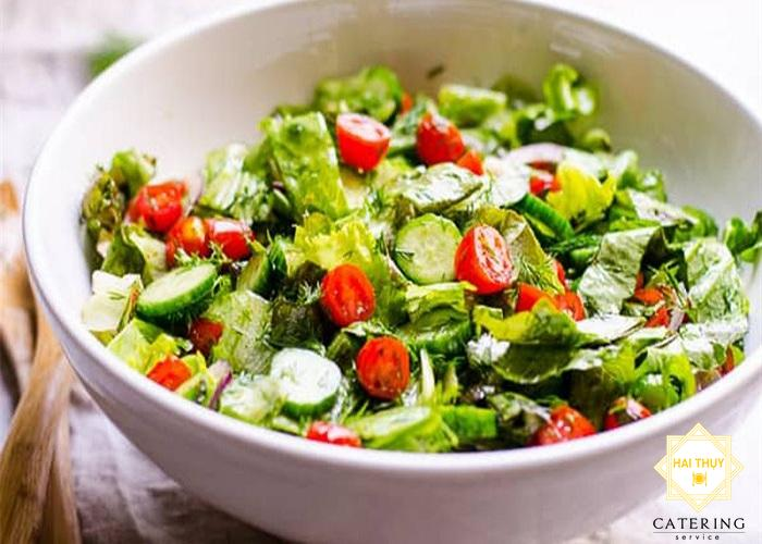 Salad dưa chuột, cà chua bi