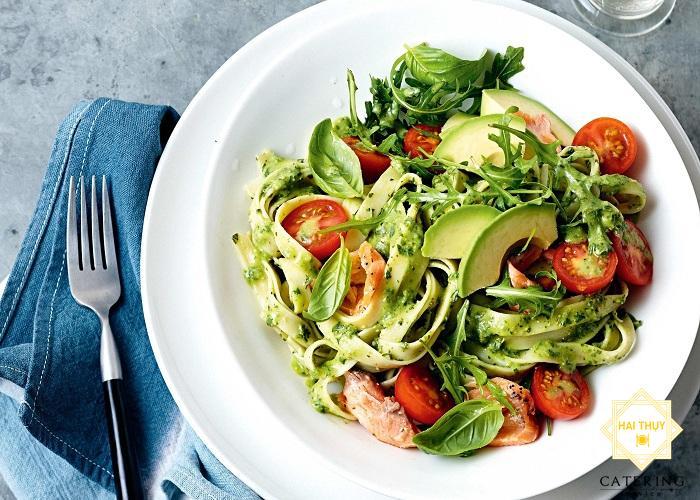 Salad caesar cá hồi