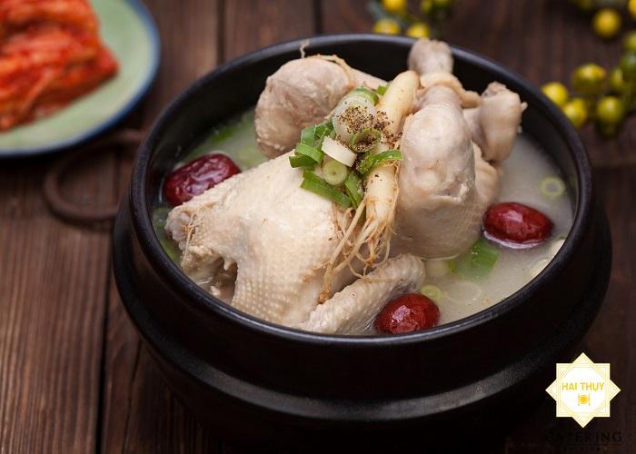 Công thức làm gà nấu hạt điều, táo tàu cực bổ