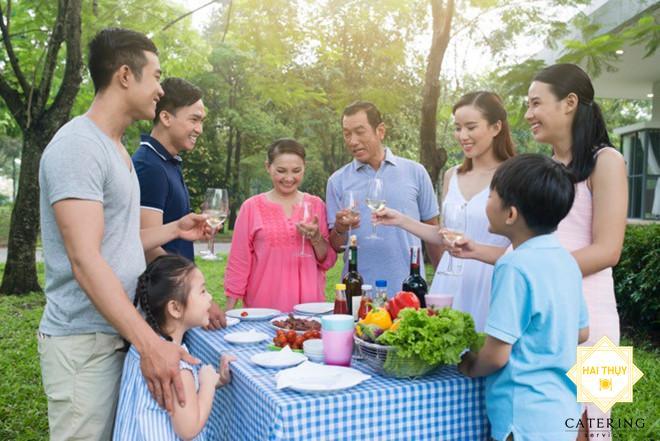 Tận hưởng trọn vẹn sự ấm áp với dịch vụ đặt tiệc gia đình