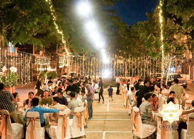 Tiệc outside - Bấm nút khởi động niềm vui cho ngày lễ