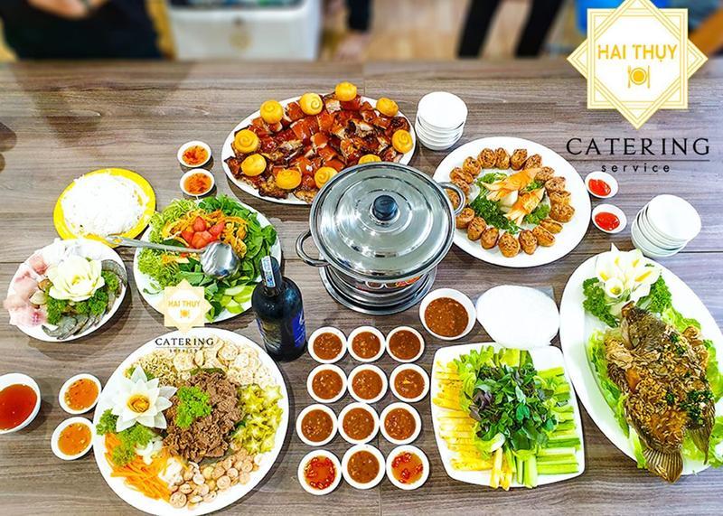 Tiệc tại văn phòng công ty Gia Cát - 17 Hồ Văn Huê, Phú Nhuận
