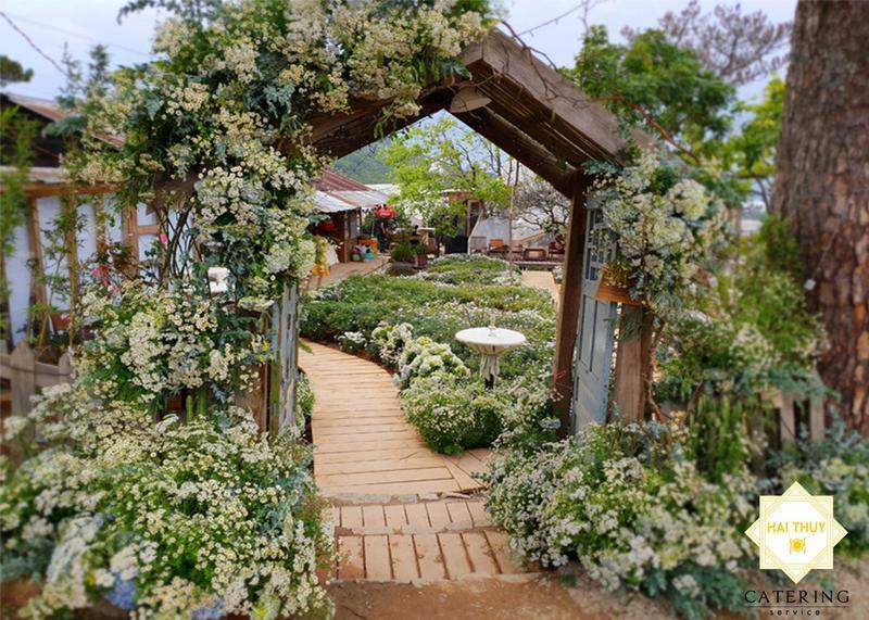 Tiệc cưới ngoài trời lãng mạn tại xứ sở Đà Lạt thơ mộng