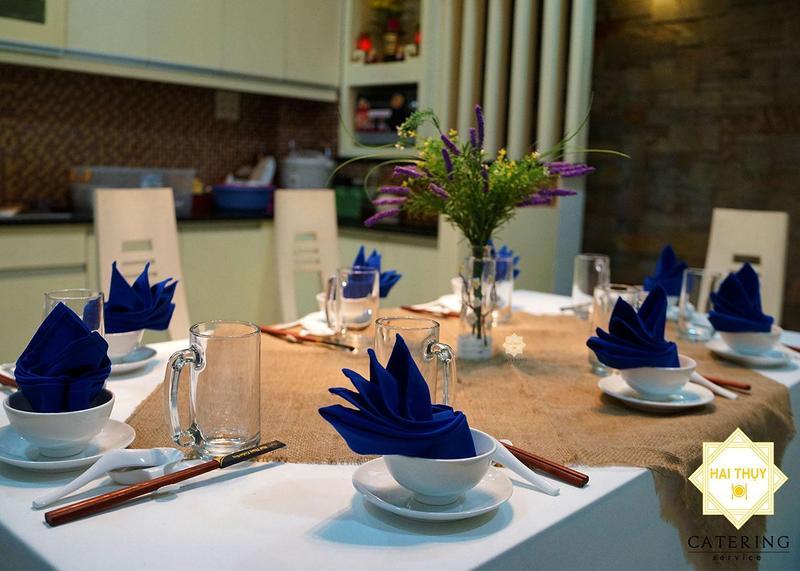 Bữa tiệc trang trọng tại nhà cùng Hai Thụy Catering
