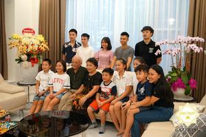 Tổ chức tiệc tân gia tại nhà chị Hà ở Biệt thự Mỹ Văn 2 với bầu không khí ấm cúng