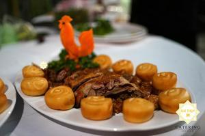 Vịt nướng Tứ Xuyên - Thực đơn tiệc tân gia hoàn hảo