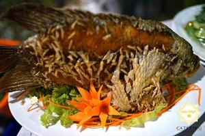 Mê mẩn với hương vị thơm ngon của món Cá tai tượng chiên xù