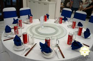 Trang trí tiệc bàn tròn ấn tượng