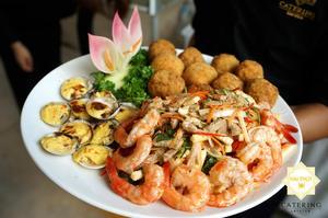 """Set khai vị 3 món """"Gỏi củ hủ dừa - Nghêu nướng phô mai - Trứng cút bách hoa"""""""