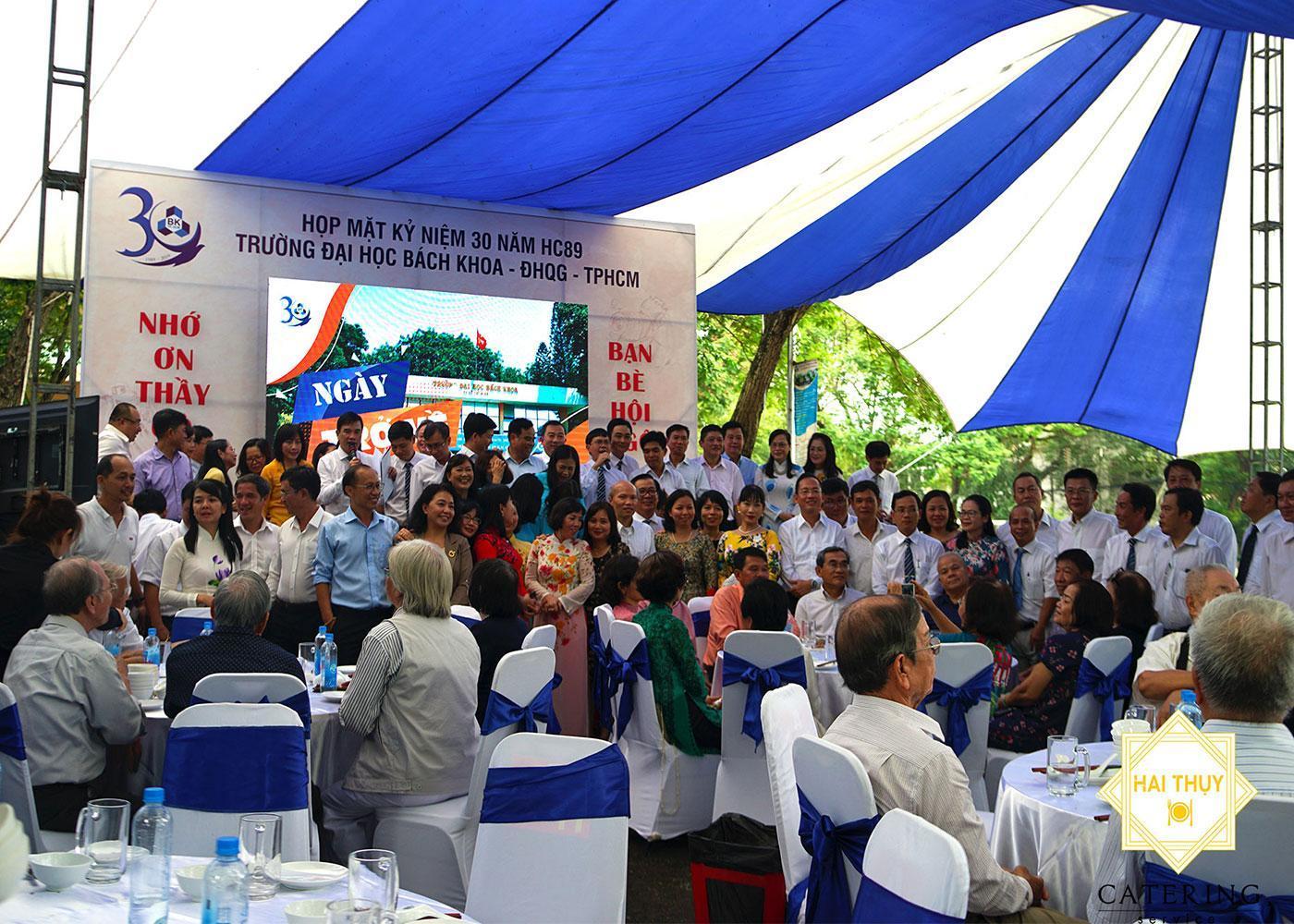 Buổi tiệc liên hoan mừng ngày hội ngộ 30 năm HC89 Đại học Bách Khoa