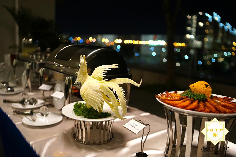 Món ăn được sắp xếp tính toán để các vị khách dễ dàng dùng tiệc