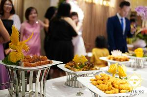 Thực đơn của buổi tiệc vô cùng đa dạng