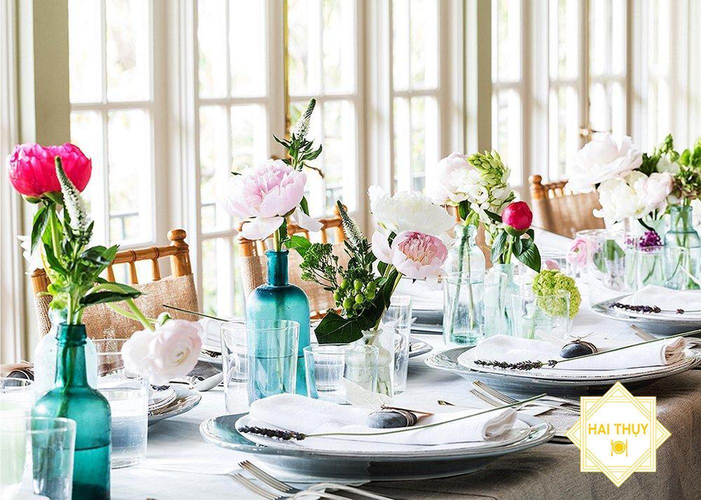 Thổi bùng niềm vui khi đặt tiệc liên hoan Hai Thụy Catering