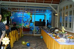 Sắp xếp bàn ghế, bàn trình bày tiệc buffet một cách hợp lý nhất