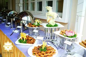 Những món ăn trong buổi tiệc buffet vô cùng đa dạng và phong phú