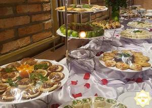"""Món ăn được các đầu bếp giàu kinh nghiệm của Hai Thụy Catering chế biến và bày trí """"bắt mắt"""""""
