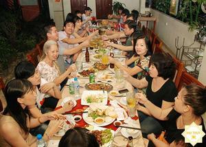 Cùng Hai Thụy Catering tận hưởng một bữa tiệc tất niên tại nhà ấm cúng và hạnh phúc
