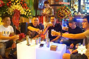 Buổi tiệc khai trương và sinh nhật trọn vẹn với những lời chúc từ khách mời