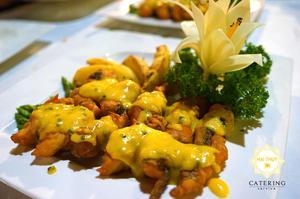 Món cá chẽm phi lê sốt chanh dây với vị chua ngọt đặc trưng và mới lạ