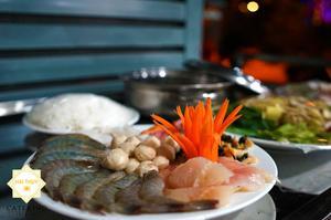 """Lẩu hải sản Sim Lo - """"best seller"""" của các menu tiệc không chỉ về chất lượng mà còn vì giá cả vô cùng hợp lý"""