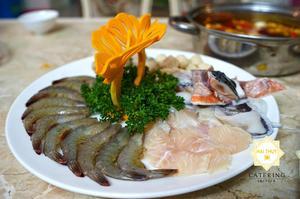Lẩu hải sản tứ xuyên - Đầy ắp hải sản biển tươi ngon bên cạnh nước dùng tròn vị