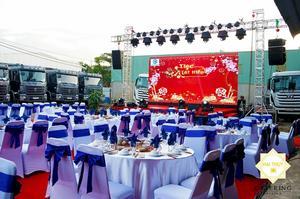 Chiếc áo mới xinh đẹp của công ty Hà Phương sau khi được Hai Thụy Catering tô vẽ
