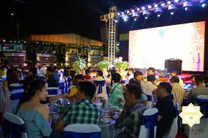 Các khách mời rất vui vẻ với các món ăn của Hai Thụy Catering