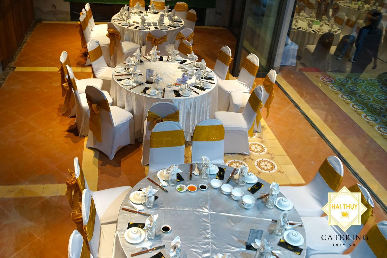 Hiện nay trên thị trường có rất nhiều các dịch vụ đặt tiệc tại nhà khiến bạn phân vân hơn.