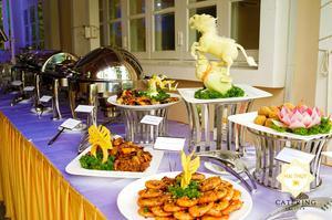 Hương vị món ăn hấp dẫn, đặc sắc và cáchtrình bày cũng bắt mắt, phong phú