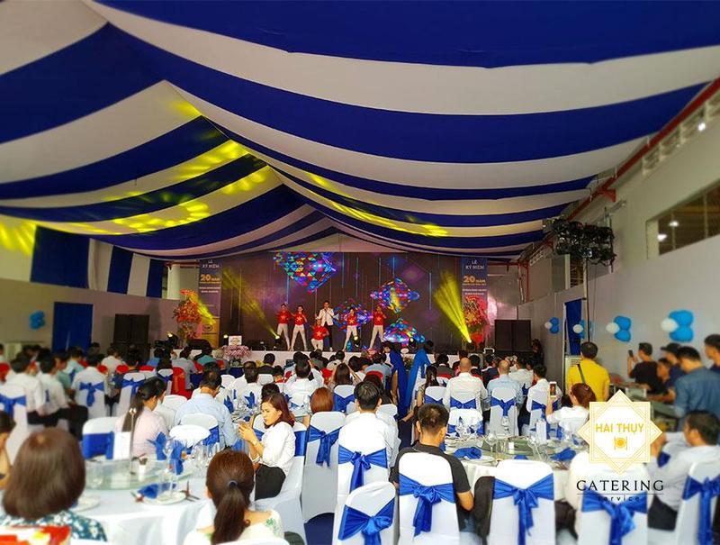 Tổ chức tiệc liên hoan công ty rộn ràng - Nhận ngàn niềm vui cùng Hai Thụy Catering